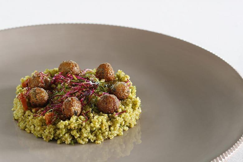 La ricetta da provare a settembre: il cous cous al pesto di agrumi di Filippo La Mantia