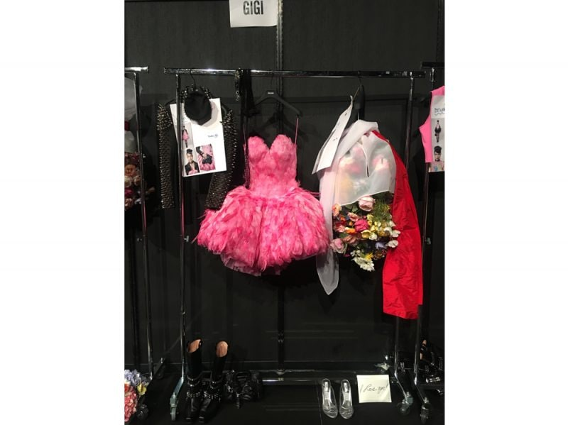 Moschino_SS18_Backstage_Gigi_Outfits