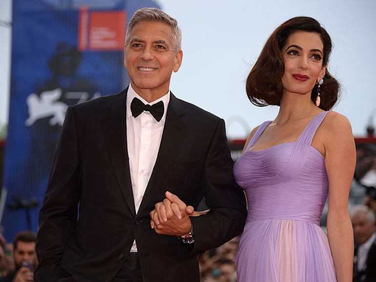 cover george clooney parla amal gemelli mobile