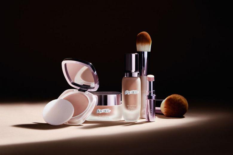 Come ottenere un viso luminoso, rivitalizzato e rassodato con la beauty routine di La Mer