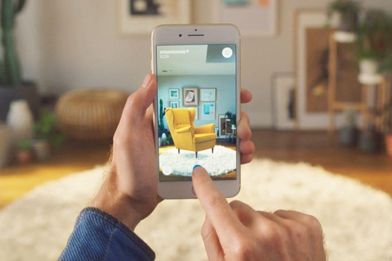 """IKEA lancia IKEA Place, l'app per arredare """"virtualmente"""" la propria casa"""