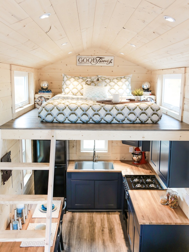 mansion-uncharted-tiny-homes-12