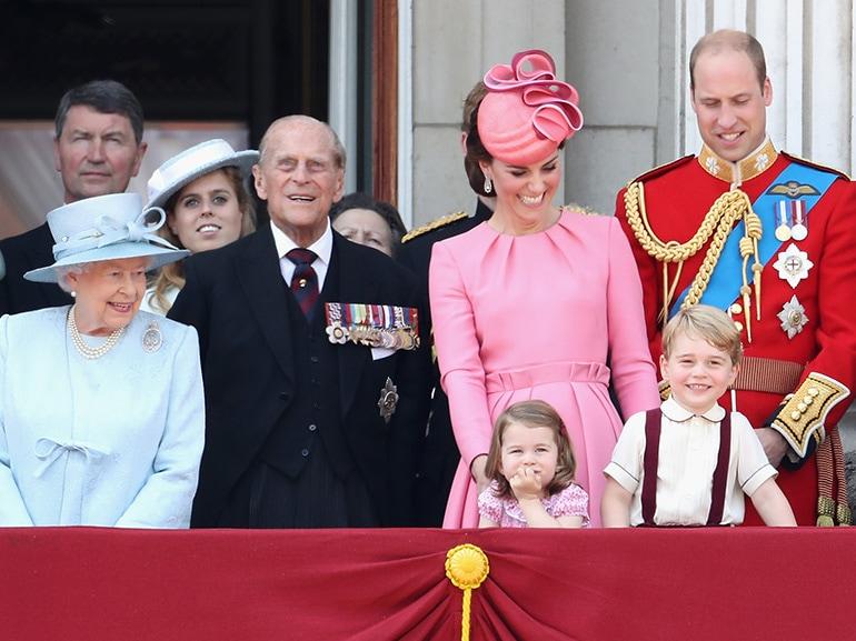 regina elisabetta kate middleton william charlotte george