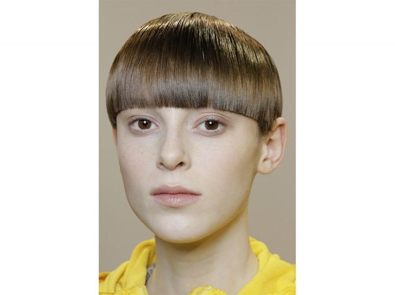 tagli capelli corti sfilate tendenze autunno inverno 2017 2018 (1)