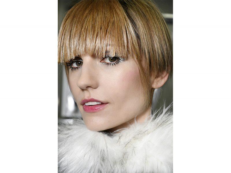 tagli capelli corti sfilate tendenze autunno inverno 2017 2018 (7)