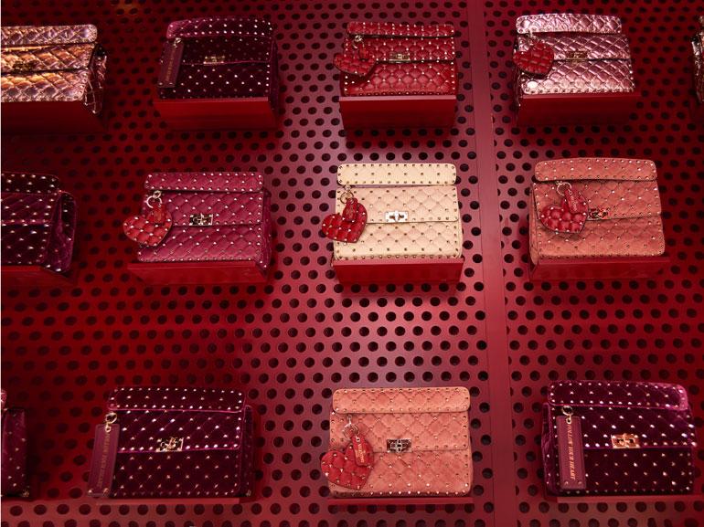 valentino-pop-up-parigi-mobile