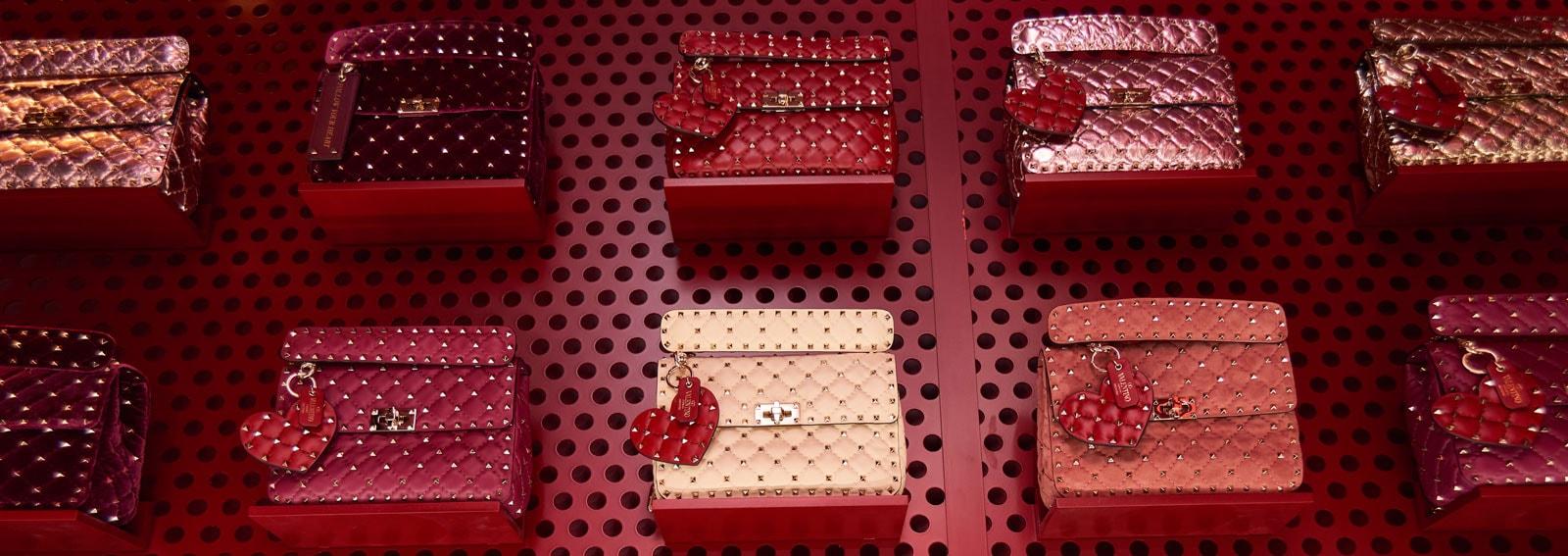 valentino-pop-up-parigi_DESKTOP