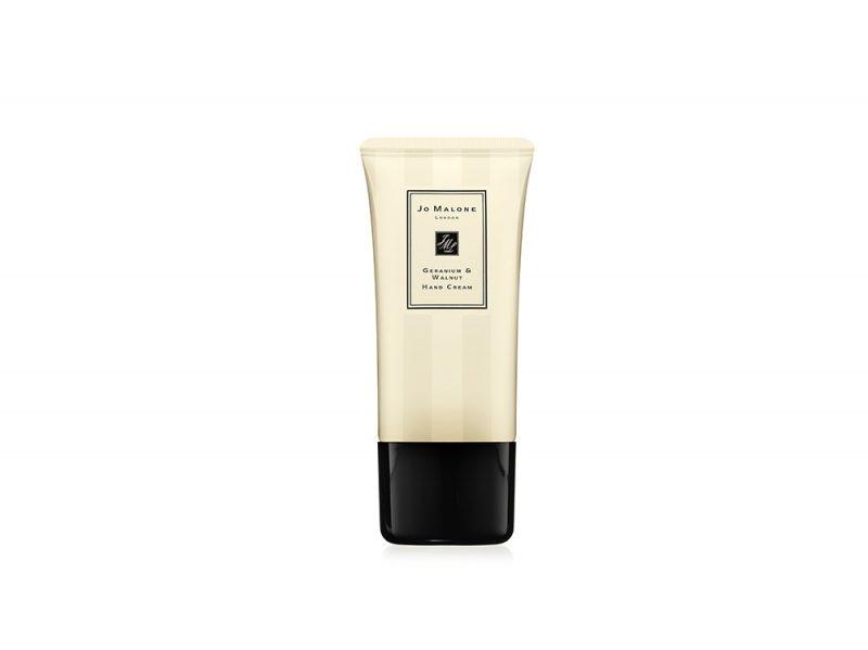 Crema-per-le-mani-le-novita-perche-usarle-e-quali-scegliere-in-base-alle-proprie-esigenze-Geranium-Walnut-Hand-Cream