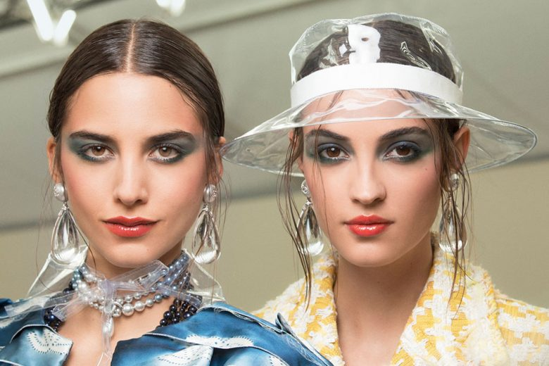 Chanel Primavera Estate 2018: trucco intenso nel backstage beauty