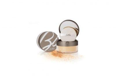 Make-up-come-opacizzare-il-viso-con-la-cipria-DEFENCE-COLOR-Voile-Touch-cipria-in-polvere-BioNike