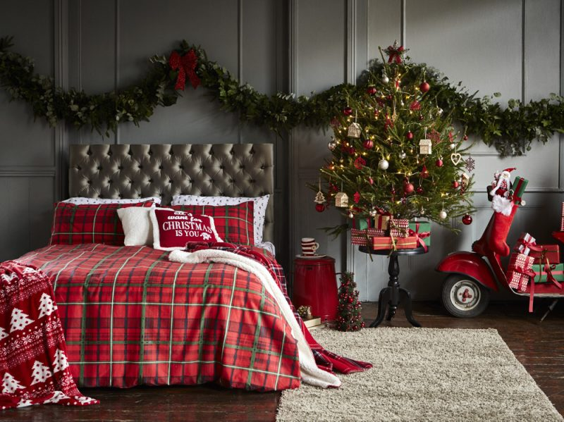 PRIMARK_Xmas_DBOCandyCane_Window_Homeware2862f1