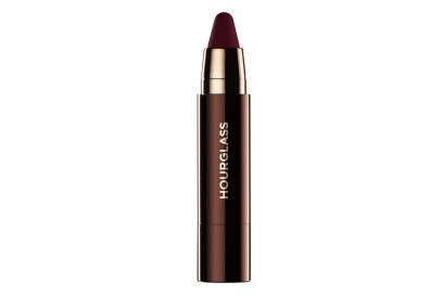 Rossetti-scuri-a-chi-stanno-bene-e-come-si-portano-Hourglass_Girl-Lip-Stylo_Warrior