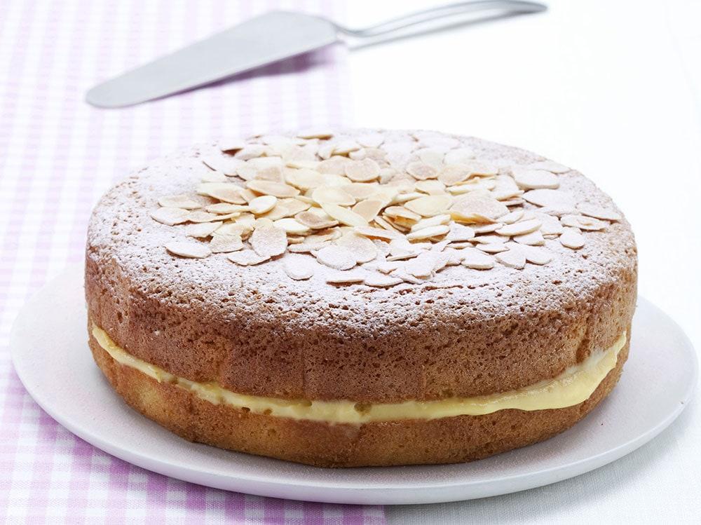 Torta-all-arancia-soffice-con-crema