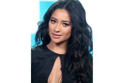 capelli-mossi-lunghi-shay-mitchell