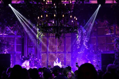 erdem-x-hm-event-Grimes,-Performance