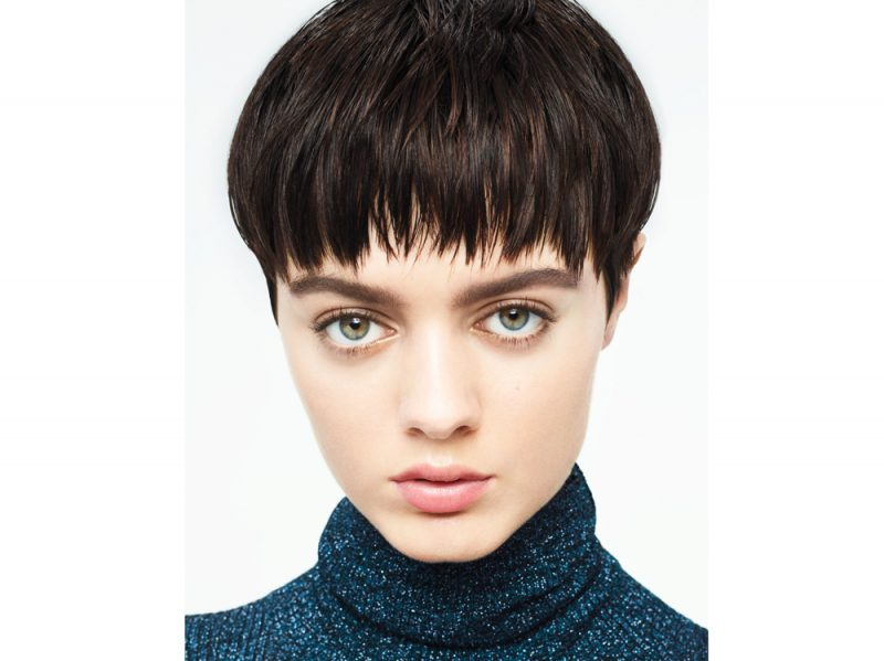 frangia capelli autunno inverno 2017 2018 AVEDA_AW-17-18_HAIR-LOOK8