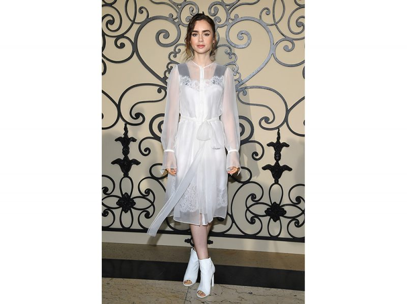 lily-collins-da-givenchy-getty
