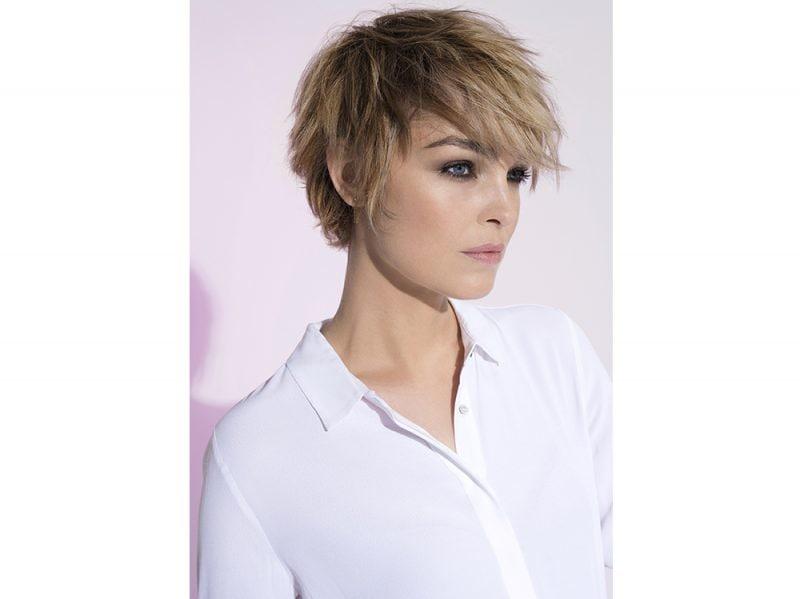 Taglio capelli corti scalato 2018