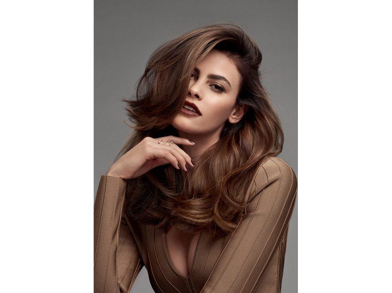 tagli capelli lunghi saloni autunno inverno 2017 2018 Goldwell_Brunettes_Alisar_Sensual Brunette