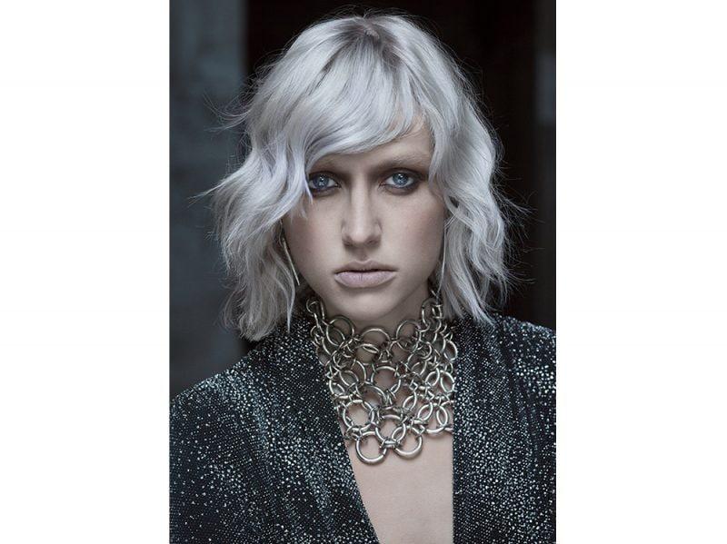 Tagli capelli medio corti grigi – Acconciature alla moda della gioventù 063b0d1c8133
