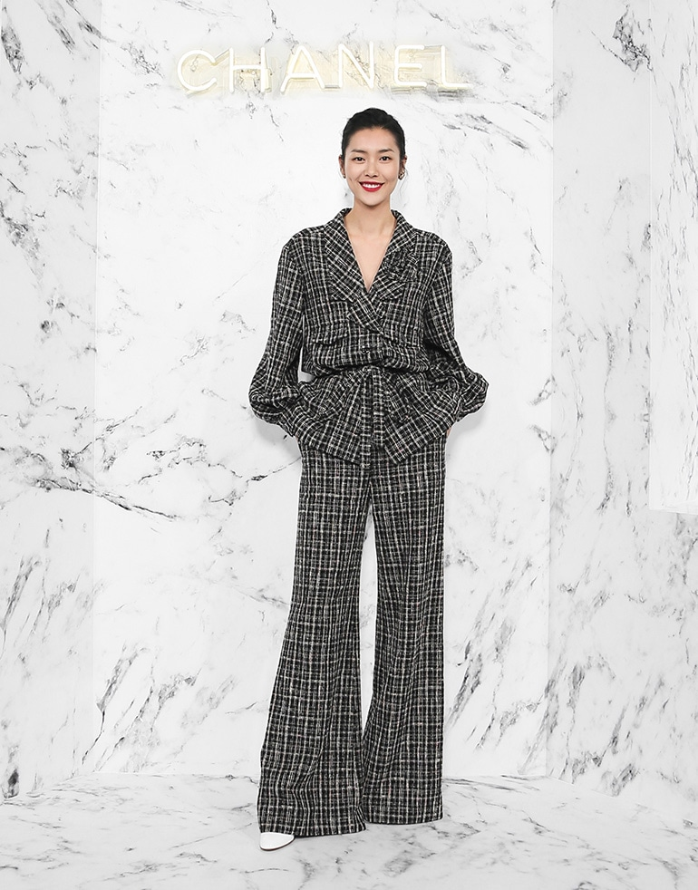 LIU-Wen_Cruise-2017-18-replica-show-in-Chengdu_November-7th-2017