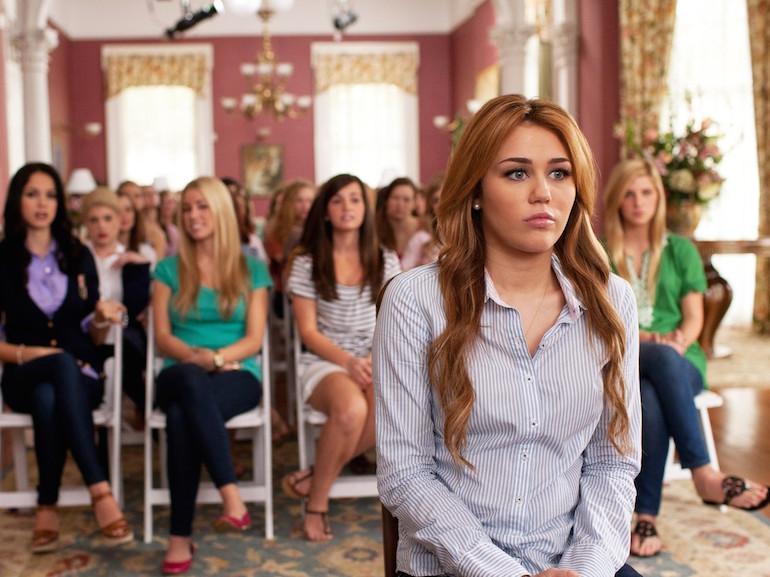 Miley Cyrus camicia azzurra