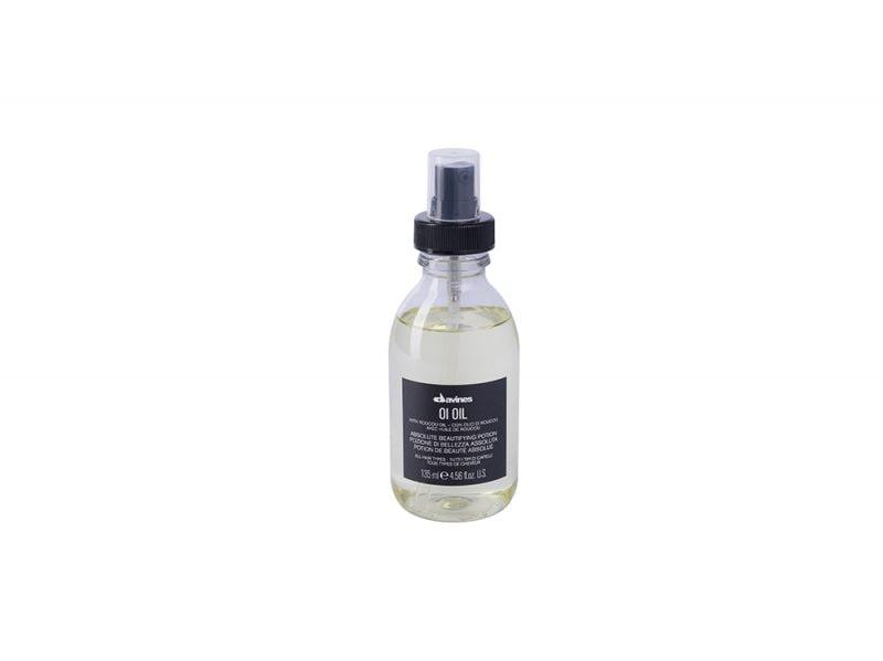 Olio-per-capelli-per-quali-chiome-quando-e-come-usarlo-Davines-OI-Oil