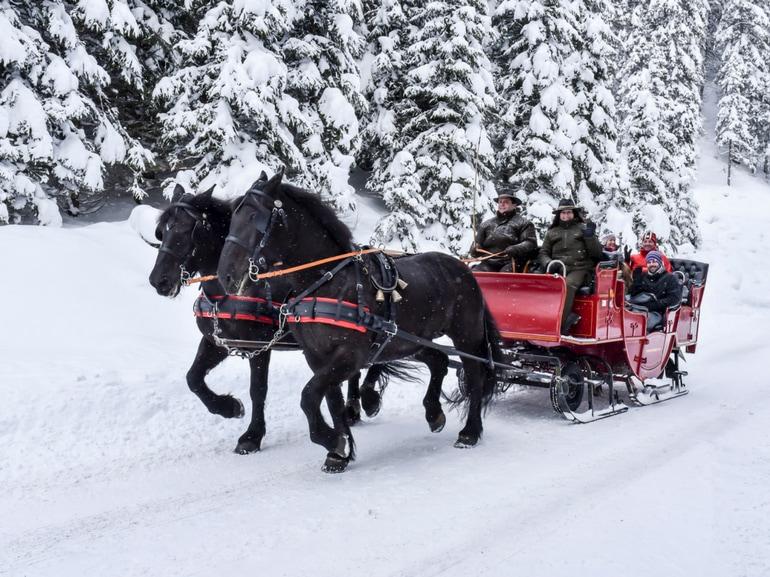 Pferdekutschenfahrt ins verschneite Verwalltal- credit TVB St. Anton am Arlberg