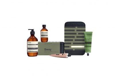 Regali-natale-beauty-bio_Large PNG-Aesop Gift Kits 2017-2018 Editorial Sway x2 no BG