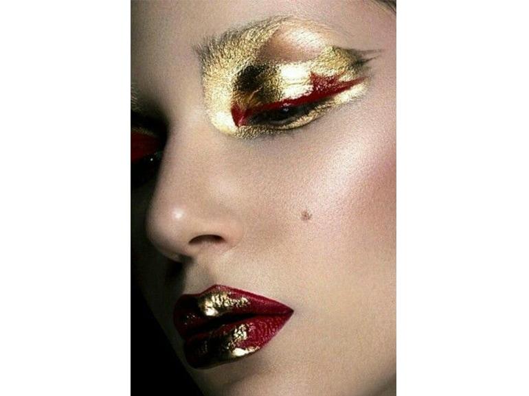 trucco rosso e oro