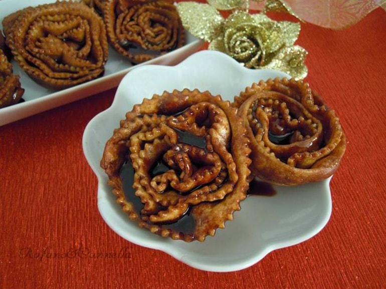 cartellate-pugliesi-dolce-tipico-di-Natale-Puglia