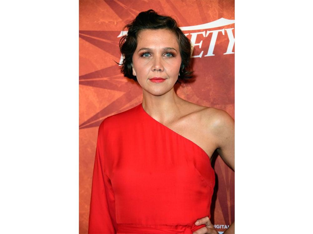 maggie-gyllenhaal-beauty-look-13