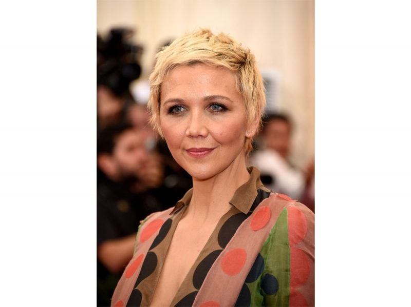 maggie-gyllenhaal-beauty-look-14