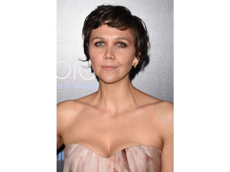 maggie-gyllenhaal-beauty-look-16