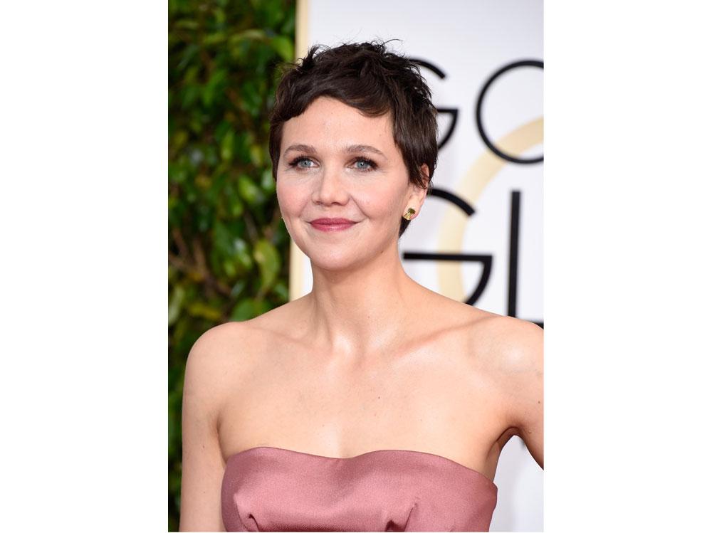 maggie-gyllenhaal-beauty-look-19