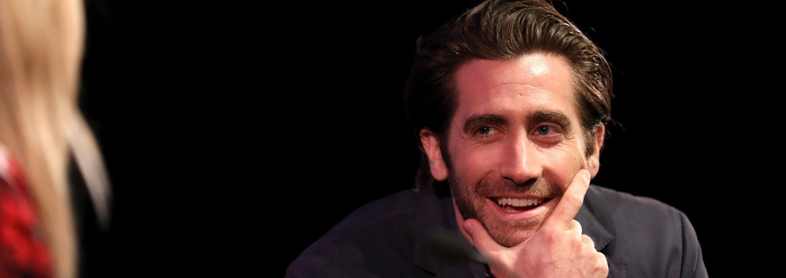 Jake-Gyllenhaal-cover-desktop