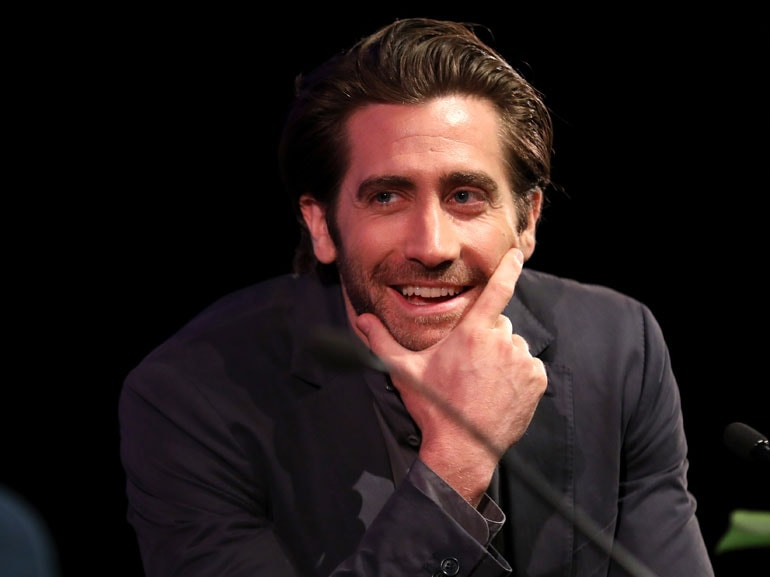 Jake-Gyllenhaal-cover-mobile