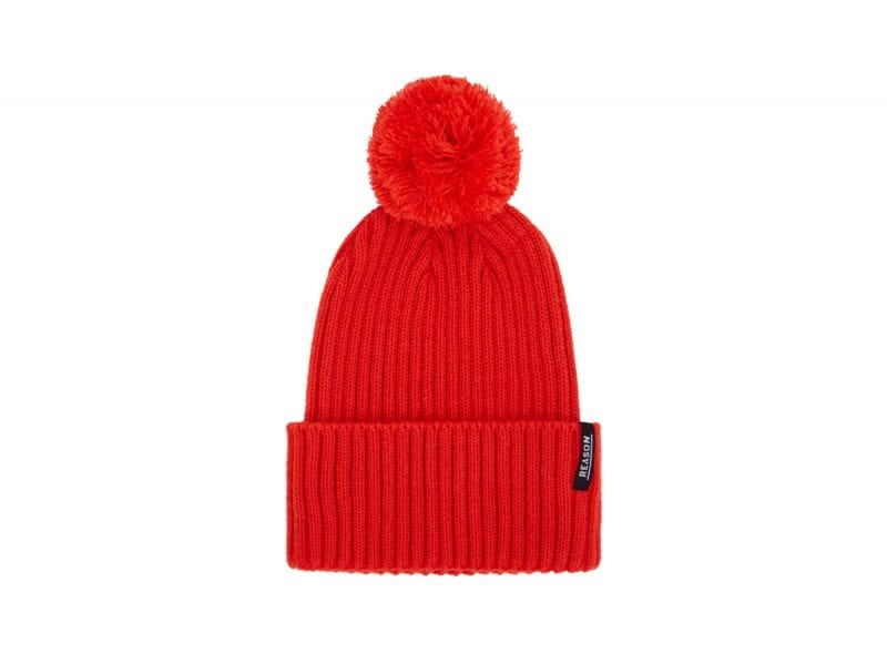 Urban-Outfitters-beanie-£20-or-€32-(3)