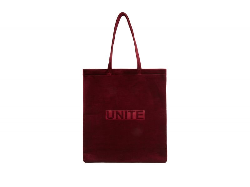Urban-Outfitters-tote-£20-or-€32