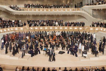 Chanel Métiers d'Art 2017/18: la sfilata evento ad Amburgo
