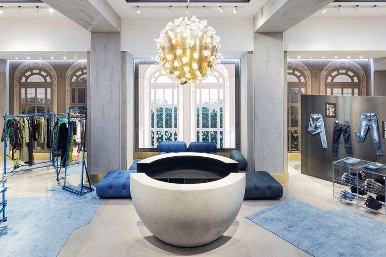 Miss Sixty ha inaugurato il primo esclusivo flagship store nel cuore di Milano