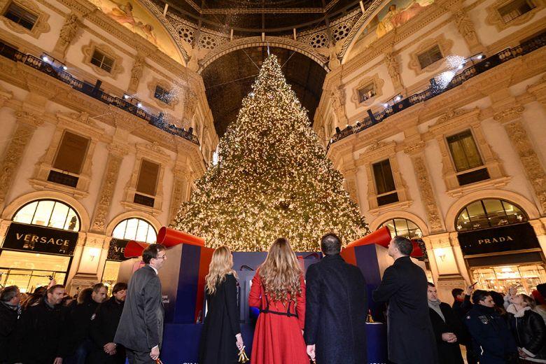 Swarovski ha acceso il Natale a Milano con il Digital Christmas Tree