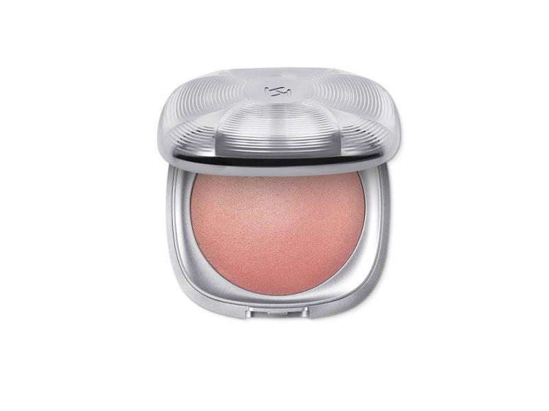 make-up-capodanno-5-idee-glam-da-copiare-kiko-arctic-holiday-02 1