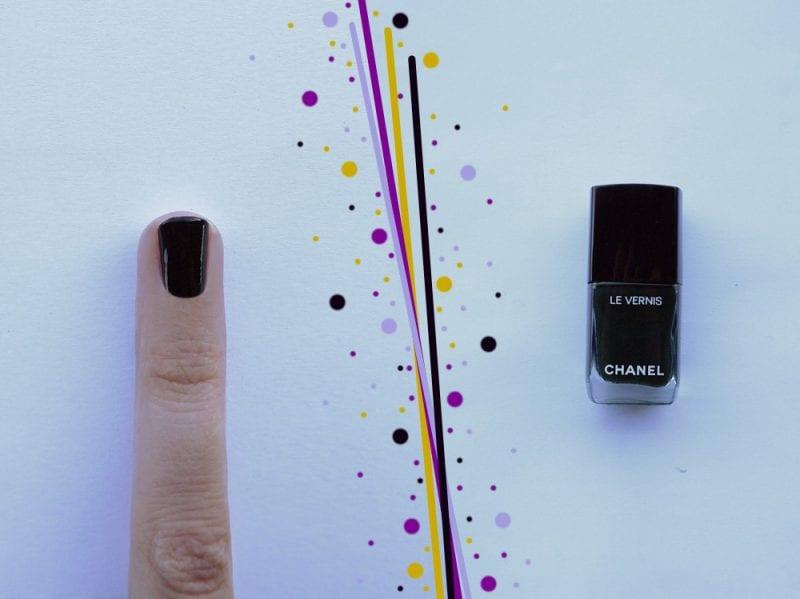 nail-art-capodanno-accent-nail-step1