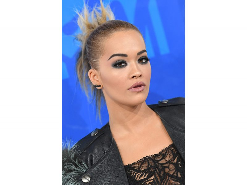 rita-ora-make-up-7