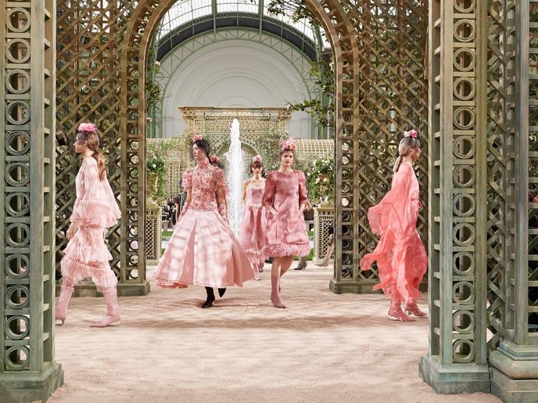 Haute Couture Chanel ss18 mobile