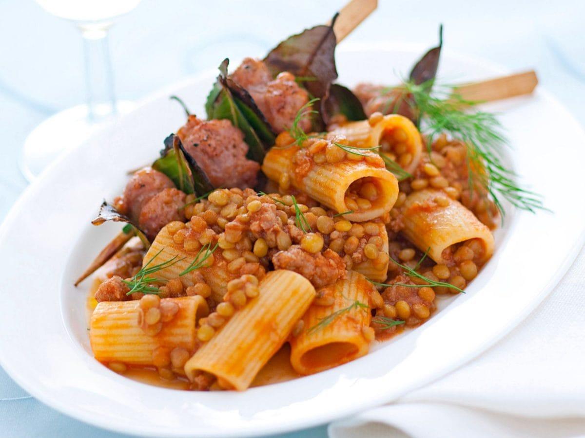 Pastasciutta con lenticchie e salsiccia