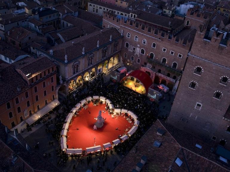 Verona in love San Valentino festa innamorati weekend romantici
