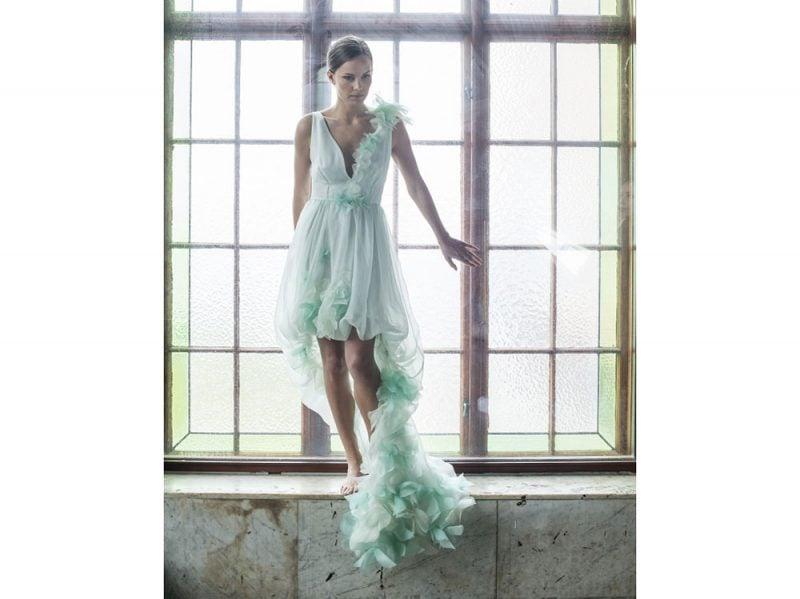 abito-sposa-colore-leila-hafzi_Arousa