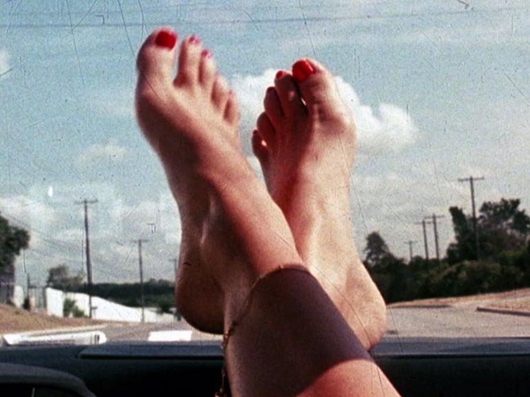 barefoot-tarantino-mobile
